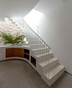 Backyard House by AD+studio - InteriorZine