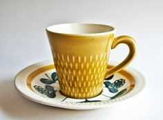 A Love for Pottery & Ceramics Glass Ceramic, Ceramic Mugs, Ceramic Pottery, Vintage Crockery, Clay Cup, Pottery Designs, Kitchenware, Tableware, Deco
