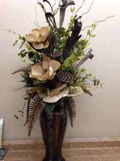 Best Pics 50 Vatertagsdekorationen Mittelstücke Blumenarrangements Style Among probably the most beautiful and sophisticated kinds of flowers, we cautiously picked the match Large Flower Arrangements, Artificial Floral Arrangements, Vase Arrangements, Floral Centerpieces, Flower Vases, Magnolia Centerpiece, Floor Vase Decor, Vases Decor, Silk Flowers