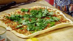 Turkish pizza recipe : SBS Food - I'd get rid of the dough and replace it with wholemeal pita for a leaner, higher fibre option - Friday night is pizza night! Turkish Grill, Turkish Lamb, Turkish Pizza Recipes, Sbs Food, Healthy Pizza, Paleo Pizza, Looks Yummy, Yummy Yummy, Middle Eastern Recipes