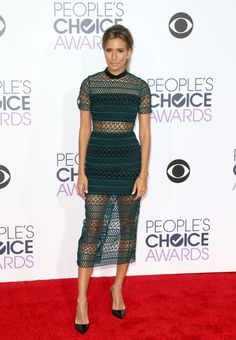 See all the best red carpet looks from the 2016 People's Choice Awards here: Renee Bargh
