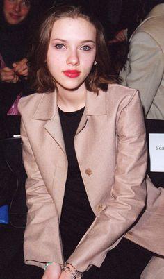Scarlett Johansson cuuuute in 2000 Female Actresses, Hollywood Actresses, Actors & Actresses, Scarlett Johansson, Black Widow Scarlett, Black Widow Natasha, Elizabeth Olsen Scarlet Witch, Female Fighter, Natasha Romanoff