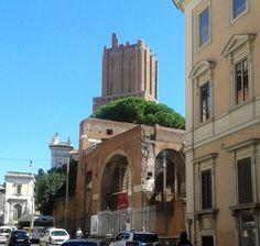 Vía 4 de Noviembre, Roma. Ingreso al Mercado de Trajano y Museo de los Foros Imperiales.