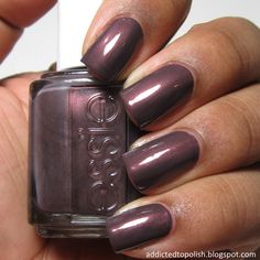 Essie - sable collar.