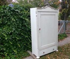 Zabytkowa szafa bielona ręcznie malowana shabby chic | Bielany | Gumtree | 142635020