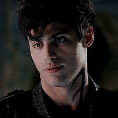 Matthew Daddario Daily Again with the sass lol I love this gif