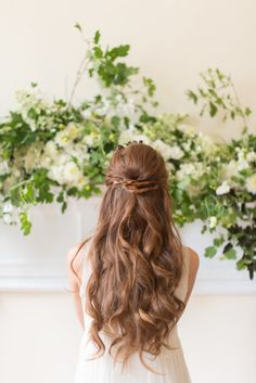 Loose wavy hair: http://www.stylemepretty.com/virginia-weddings/alexandria/2014/09/24/mid-century-glam-wedding-inspiration-with-earthy-details/   Photography: Sweet Root Village - http://sweetrootvillage.com/
