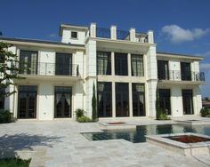 Exquisite Classic Chateau with Luxurious Design : Awesome Modern Landscape With Pool French Regency Chateau