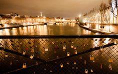 A Ponte dos Cadeados em Paris: o lugar mais romântico da cidade mais romântica do mundo   culturaeviagem