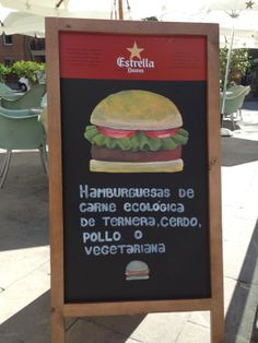 Hamburguesas caseras del BANG BANG en Barcelona, también con servicio de comida a domicilio Bang Bang, Barcelona, Beef, Chicken, Homemade Hamburgers, Homemade, Barcelona Spain