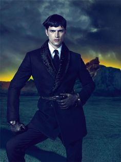 Top 10 earning male models 7. Sean O'Pry  One of the new faces on the list, Sean only entered the fashion world in 2007 and has since shot to modelling fame. Continually cast for big jobs (seen here fronting the Versace autumn/winter campaign) it is Sean's chameleon qualities that make him so versitile.