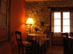 Rincón del comedor casa rural Finca el Palacio, Torín (Piloña), Asturias www.fincaelpalacio.com