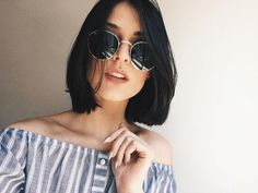 Straight hair is a type of hair that clearly shows the color of hair, as well as being a hair type that every woman wants. Whether thin or thick, straight hair. Black Haircut Styles, Short Black Hairstyles, Short Haircuts, Trendy Hairstyles, Brunette Hairstyles, Medium Hairstyles, Hairstyles 2018, Hair Day, New Hair
