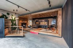 Dutch designer and manufacturer of fine wood flooring, Hakwood, opened it's first wood flooring showroom in Kitzbühel, Austria. Diy Furniture Redo, Thrift Store Furniture, Furniture Showroom, Recycled Furniture, Design Furniture, Studio Interior, Office Interior Design, Office Interiors, Visual Merchandising