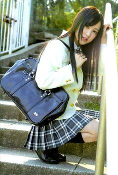 School Uniform Fashion, School Uniform Girls, Girls Uniforms, School Outfits, Asian Woman, Asian Girl, Cute Girl Photo, Beauty Photos, Beautiful Asian Women