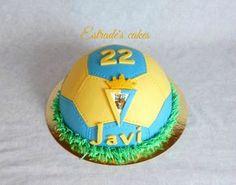 Estrade's cakes: tarta balón para un seguidor del Cádiz CF Cadiz, Soccer Ball, Kids, Pies, Party, Decorations, Guys, Home, Young Children