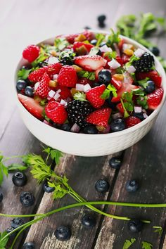 Fresh Summer Berry Salsa - This salad is so delicious yet healthy! It's the perfect summer salad and looks so instagram-able! Have it ready in under 10 mins!! | ScrambledChefs.com