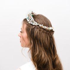 Corona de novia e invitada Ernesto Terrón 2ab8b752180