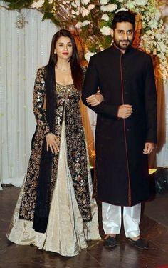Moderne Partei Stil Vorne Offen, Lange T Shirt Kleid Modern Party Style Front Open, Long T Shirt Dress Indian Gowns, Indian Attire, Pakistani Dresses, Indian Wear, Indian Outfits, Party Wear Dresses, Bridal Dresses, Mode Abaya, Braut Make-up
