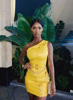 This look on Mariama 🌝💛💛 ____ ______ 👸🏿 90s Fashion, Fashion Outfits, Womens Fashion, Looks Chic, Insta Look, Yellow Fashion, Mellow Yellow, Beautiful Black Women, Yellow Dress