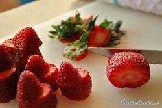 Tarta de frutillas Strawberry, Fruit, Pregnancy, Food, Types Of Cakes, Vanilla Ice Cream, Torte Recipe, Food Cakes, Cooking