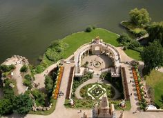 garden at Schwerin Castle