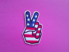 """ECUSSON PATCH THERMOCOLLANT BRODERIE MAIN DOIGT VICTOIRE /""""V/"""" GIRLY CUSTOM"""