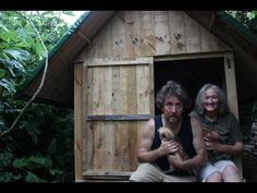 Pallet Wood Hen House & Prototype for Our Own Tiny House. Part 2. Costs less than 25 Euros/Dollars