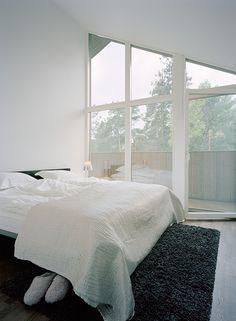 Modern and minimal bedroom