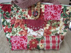 CHRISTMAS BURGUNDY POINSETTIAS BATTENBERG DOODABA PATCHWORK HANDBAG TOTE BAG #Handmade #ShoulderBag