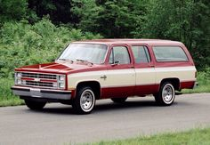 Cool Trucks, Chevy Trucks, First Color Movie, Pontiac 6000, Eight Passengers, Car Part Furniture, Chevrolet Suburban, Four Wheel Drive, Fuel Injection