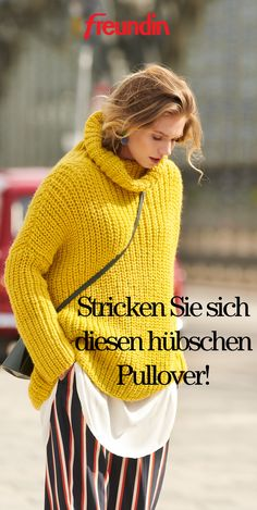 Autumn is just around the corner and we are particularly looking forward to warm, oversized embroidered sweaters. And so you can easily knit your new favorite sweater yourself Knitting Instructions: Yellow Turtleneck Oversized Look How To Start Knitting, Easy Knitting, Knitting Patterns, Warm Sweaters, Pulls, Diy Clothes, Crochet Top, Turtle Neck, Yellow
