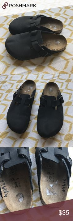 """Birkenstock """"Boston natural"""" black leather clogs 6 Women's Birkenstock black """"Boston natural"""" slip on black leather clogs. US women's size 6 men's Us size 4. Shoes are in good used condition- a few scuff/dirt marks but overall still lots of life left in them! Birkenstock Shoes Mules & Clogs"""