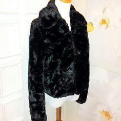 Le chateau Jackets & Coats - ~EUC~ Black Faux Fur Jacket Coat