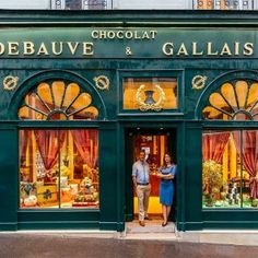 vibrant façades + eclectic ornamentation tell the story of paris through its storefronts bernard poussin (left) and diane junique (right) in front of their two-centuries-old chocolaterie Paris Vintage, Vintage Shops, Vintage Market, Minimalistic Style, Paris Shopping, Paris Store, Shopping Travel, Shop Fronts, Floor Patterns