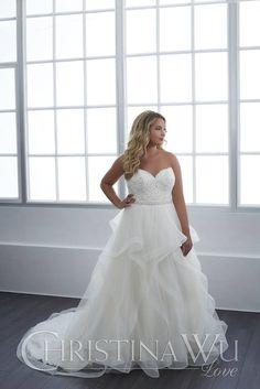 29303 - House of Wu - Christina Wu Love - Plus Size Wedding Dress - Plus Size Bride - Wedding Dress - Wedding Gown - All My Heart Bridal Making A Wedding Dress, Luxury Wedding Dress, Best Wedding Dresses, Wedding Robe, Wedding Attire, Boho Wedding, Plus Size Wedding Gowns, Bridal Gallery, Curvy Bride