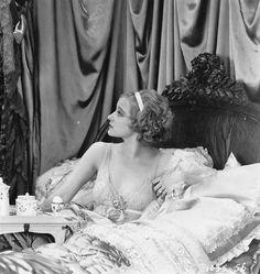 Greta Nissen, 1927