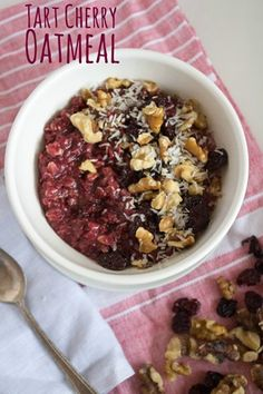 Microwaveable Tart Cherry Oatmeal recipe. Delicious, nutritious, and ready in minutes!   sponsored @choosecherries #GoRedBeforeBed