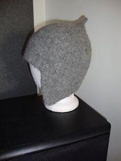 Nu är det dags att lägga ut mönstret på min mössa. Jag har köpt ett ganska billigt tovningsbart garn eftersom det är lite vanskligt att få... Ann Louise, Baby Knitting, Loom, Diy And Crafts, Knit Crochet, Projects To Try, Textiles, Felting, Hats