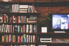 Need More Room for Your Stuff? These Simple Storage Solutions Will Help Marketing Visual, Marketing Digital, Social Marketing, Marketing Tools, Employee Handbook, Life Learning, Tv Ads, Reading Room, Memento Mori