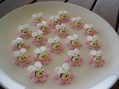 Abelhinhas de massa de biscuit