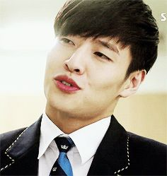 Kang Ha Neul #Kdrama Kang Haneul, Drama Gif, The Heirs, Musical Theatre, Korean Actors, Kdrama, Musicals, Taiwan, People