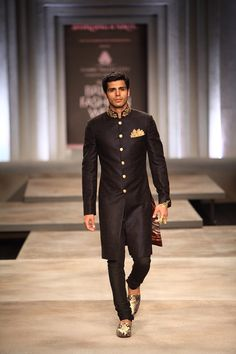 Image: Dwaipayan Mazumdar/Vogue  | #follow Armaan Singh www.pintrest.com/armaann1 |