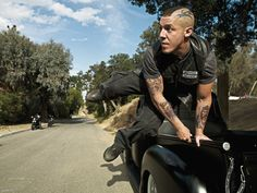 Interview: Theo Rossi (Sons of Anarchy) Theo Rossi, Sons Of Anarchy Juice, Sons Of Anarchy Samcro, Sons Of Anarchy Characters, Juice Soa, Hd Fatboy, Kim Coates, Sons Of Anarchy Motorcycles, Charlie Hunnam Soa