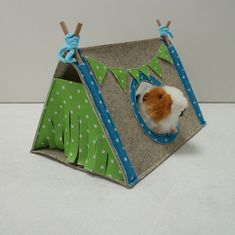 Pee pads for guinea pigs, hedgehogs and other small pets - Mrs. Zizzuli - Pee pads for guinea pigs, hedgehogs and other small pets Pee pads for guinea pigs hedgehogs and other small pets Diy Guinea Pig Toys, Diy Guinea Pig Cage, Guinea Pig House, Pet Guinea Pigs, Guinea Pig Care, Pet Pigs, Loro Animal, Guinnea Pig, Guinea Pig Accessories