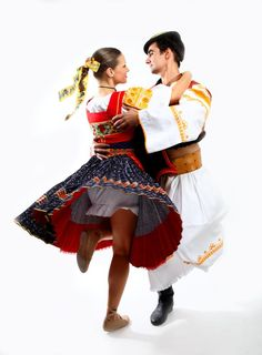 Hungarian Dance, Folk Clothing, Beautiful Costumes, Folk Costume, Traditional Outfits, Passion For Fashion, Eastern Europe, Dancers, Clothes