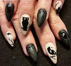 Nail Bat, Halloween Nail Designs, Halloween Nail Art, Spooky Halloween, Halloween Party, Halloween Season, Halloween 2018, Halloween Ideas, Zombie Nails
