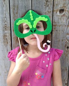 Leave a note at checkout, letting us know which characters you would like. Our photo props are made out of sturdy/stiff felt and are re-usable. Rapunzel Birthday Party, Disney Princess Party, Cinderella Party, Princess Theme, 4th Birthday, Tangled Wedding, Tangled Party, Disney Tangled, Disney Lessons