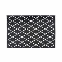 Outdoor-Teppich mit schwarzen und weißen geometrischen Motiven 120x180cm LOSIA Jetzt bestellen unter: https://moebel.ladendirekt.de/heimtextilien/teppiche/sonstige-teppiche/?uid=48624b17-f969-5644-a699-7288479d6741&utm_source=pinterest&utm_medium=pin&utm_campaign=boards #heimtextilien #sonstigeteppiche #teppiche
