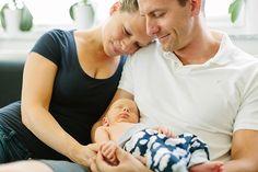 Entspannte Neugeborenenfotos in Ketsch in den eigenen vier Wänden!